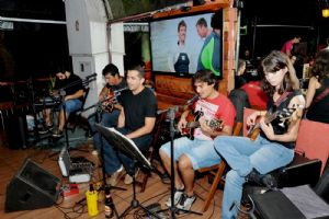 CANCUN Mexican Bar s�bado, 29/03, banda Bakamarts