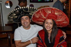 Cancun Mexican Bar, s�bado 20/09, banda Bakamarts
