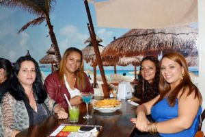 Cancun Mexican Bar, sexta 26/09, banda Volume Ac�stico!