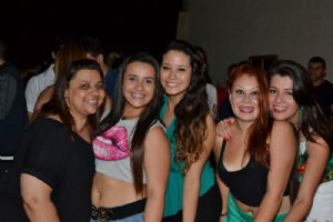 V8 Pizza Bar sexta 31/10 OCTOBER AND FEST com �rea Open Bar!