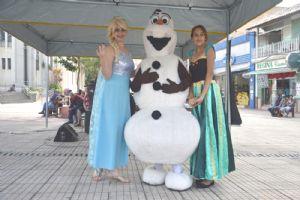 ACIA apresentou Anna, Elsa e Olaf na Praça da Matriz, 27/05